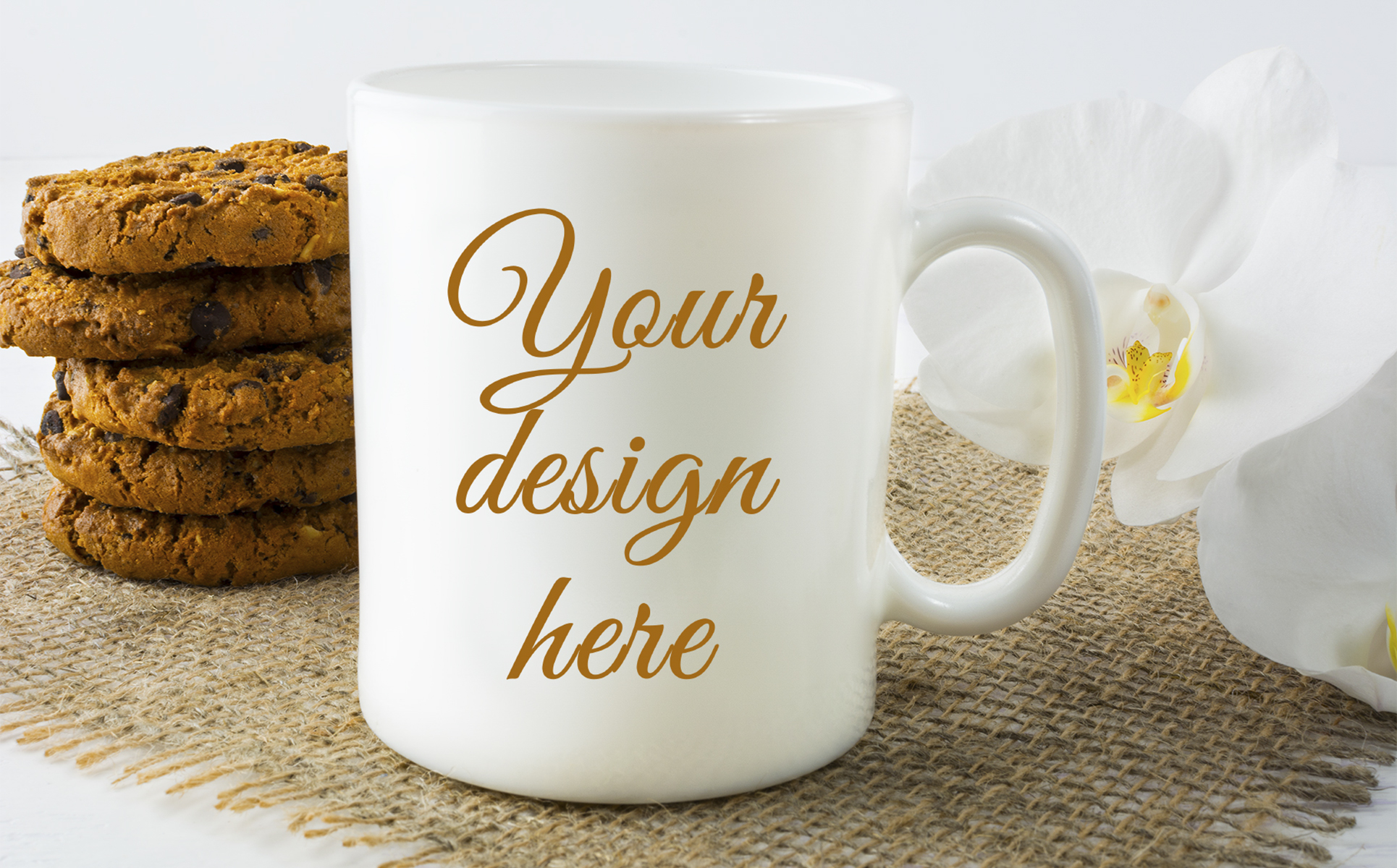 https://s3u.tmimgcdn.com/2134468-1569755306702_Coffee%20mug%20mockup%20with%20cookies_p_tmp2.jpg